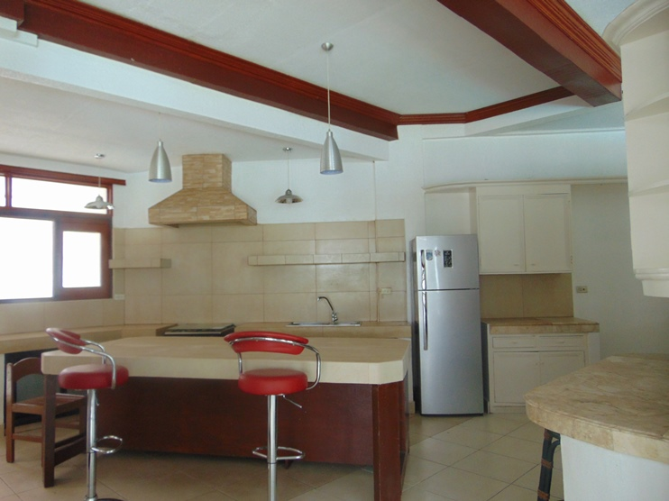 5-bedroom-un-furnished-house-with-swimming-pool-in-banilad-cebu-city