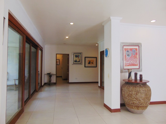 4-bedroom-bungalow-house-with-swimming-pool-for-rent-in-banilad-cebu-city