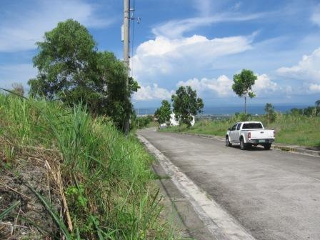over-looking-lot-for-sale-in-pacific-heights-talisay-city-cebu
