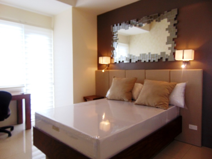 2-bedroom-calyx-condominium-for-rent-in-cebu-business-park-cebu-city-sea-view